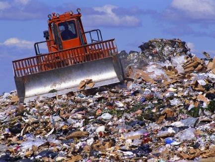 Услуги по вывозу бытовых отходов оплачивают за счет бюджетных средств: НДС-последствия