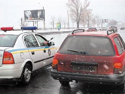 Останавливать авто под предлогом «проверки документов» полицейские не могут
