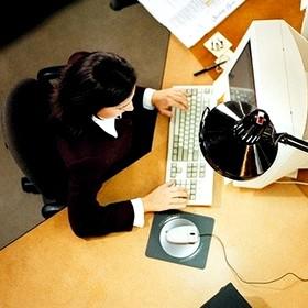 Как работодателю вести учет работников-надомников?