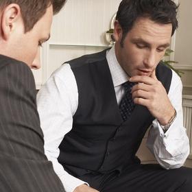 Совместитель не сообщил об увольнении с основного места работы: как действовать руководству и бухгалтеру