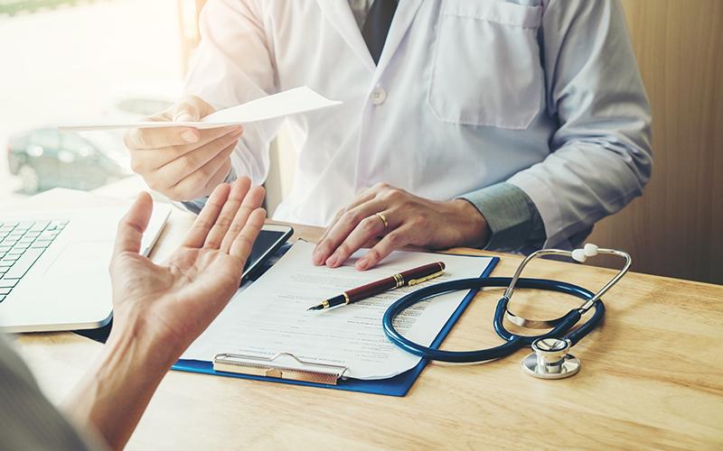 Лікарняний під час карантину: особливий порядок видачі листків і оплати |  БІЗНЕС