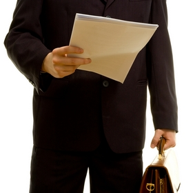 Отозвать работника из командировки можно на основании приказа