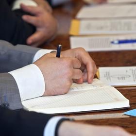 Правительство не планирует повышать ставку ЕСВ